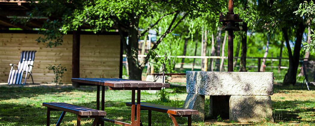 Agriturismo il cavenago area pic nic - Area tavoli picnic barbecue roma ...